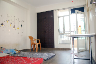Property Image of 3 BHK | Semi-Furnished | 1st Avenue | Gaur City 1 | Rs 12000