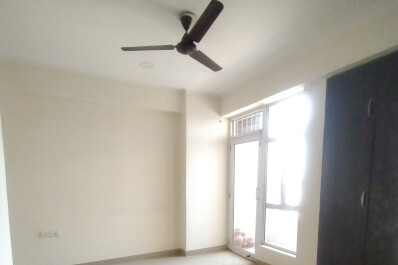 Property Image of 2 BHK | Semi-Furnished | 1st Avenue | Gaur City 1 | Rs 10000
