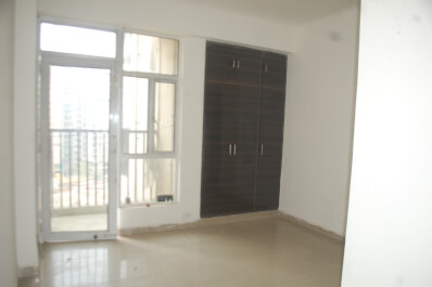 Property Image of 3 BHK | Semi-Furnished | 1st Avenue | Gaur City 1 | Rs 10000