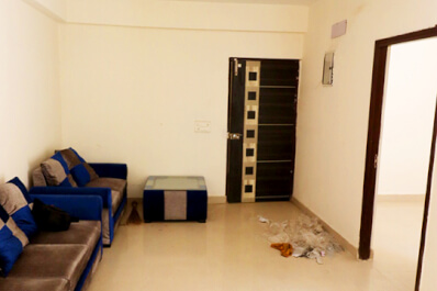 Property Image of 2 BHK | Unfurnished | Galaxy North Avenue 2 | Gaur City 2 | Rs 9000