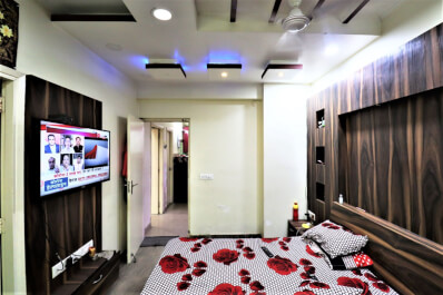 Property Image of 2 BHK | Semi-Furnished | 6th Avenue | Gaur City 1 | Rs 10000