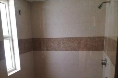 eco 1 g5-804 washroom.jpeg