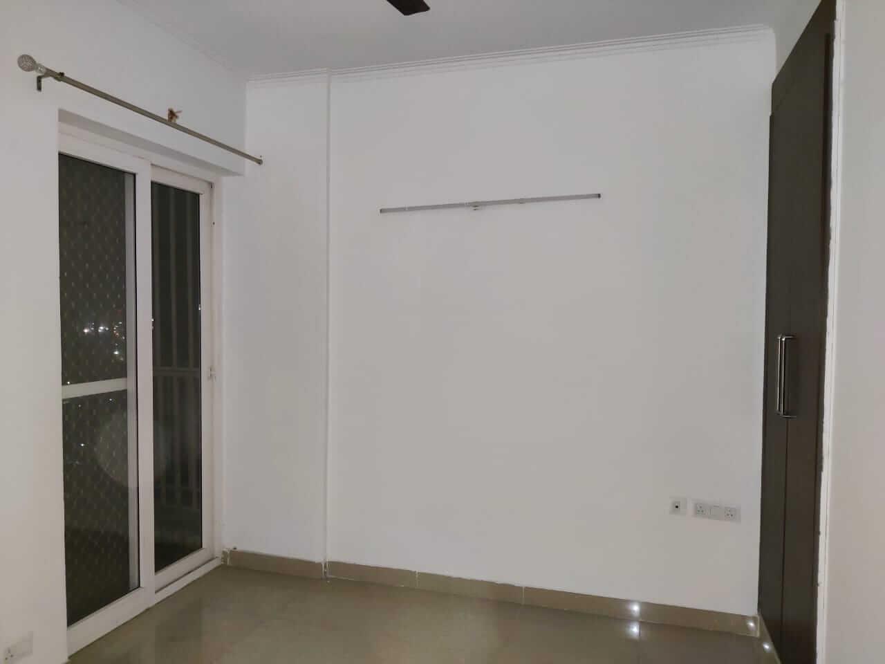 saya zionB-2206 room.jpeg
