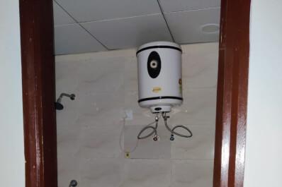 saya zionB-2206 washroom2.jpeg