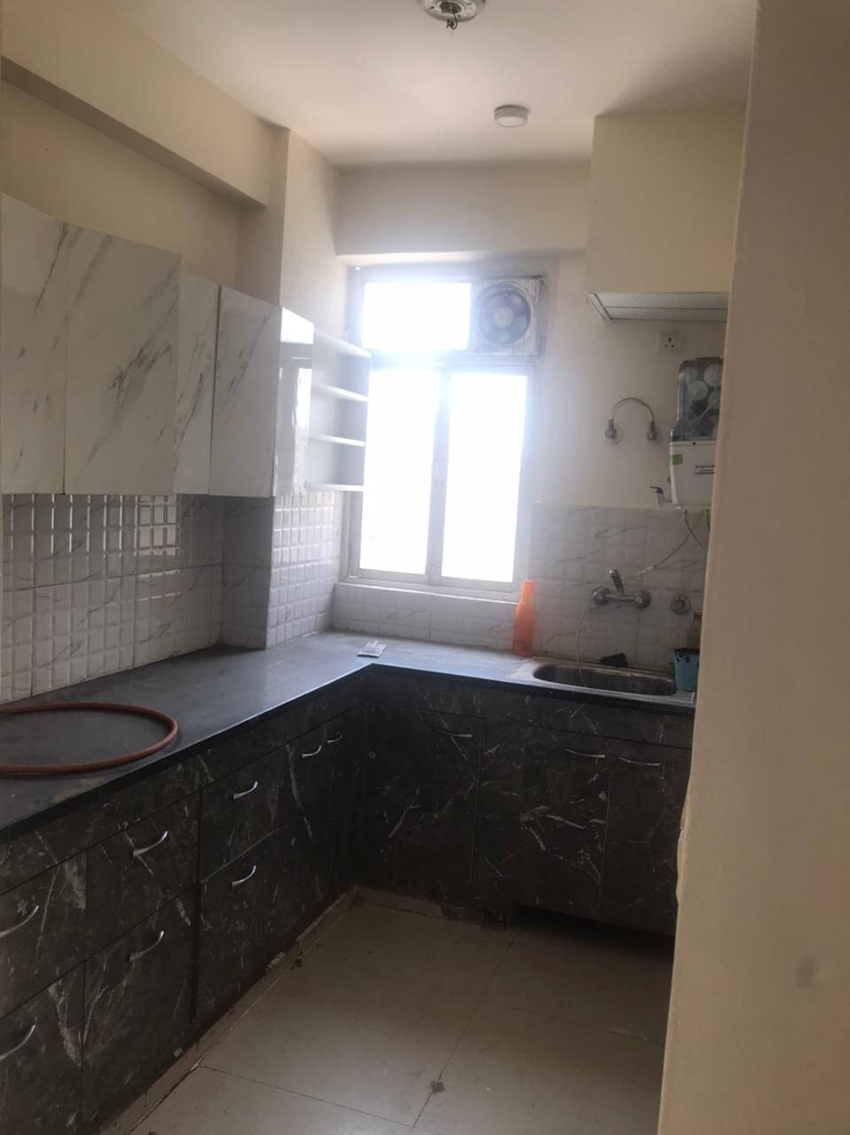 Gna2 H-1701 kitchen.jpeg