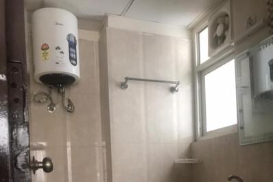 Gna2 H-1701washroom.jpeg